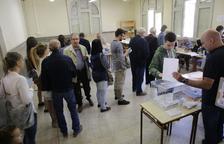 Colegios electorales en la demarcación de Lleida por los comicios municipales y europeos.