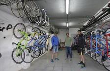 Roben 4 bicicletes de pista als ciclistes del velòdrom de Lleida