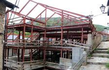 Una sentència obliga a demolir un edifici al centre de Rialp