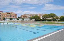 Elevador a la piscina de Mollerussa per als usuaris amb mobilitat reduïda