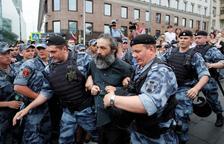 Més de 400 detinguts a Moscou en una marxa en suport a la premsa