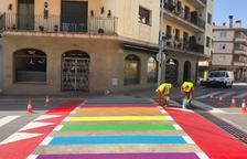 Un municipi de Lleida tindrà quatre passos zebra irisats en favor del col·lectiu LGBTI