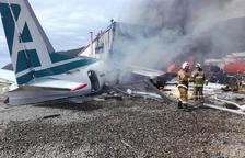 Al menos dos muertos tras estrellarse un avión comercial en Rusia