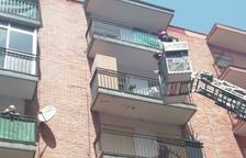 Detinguda la propietària d'un gos que va morir lligat en un balcó