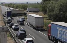 Un accident múltiple obliga a tallar l'A-2 a Sidamon en direcció Lleida