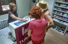 El consell elabora dos nuevas guías turísticas y de servicios