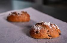 El pa de sègol, un cop cuit al forn i llest per menjar.