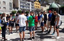 Jóvenes recuperan caminos históricos de la Alta Ribagorça