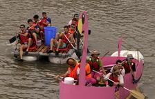 """""""La Ramona"""", una embarcación con forma de un enorme flamenco rosa, fue considerada la más original de toda la Transsegre."""