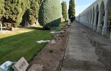 Destrozan cruces al cementerio del Palau d'Anglesola