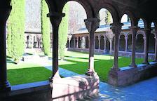El claustro del Parc del Valira de La Seu d'Urgell, con los 'singulares' capiteles, reabrirá hoy al público.