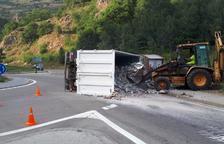Una colisión con un herido corta la N-230 en El Pont de Suert