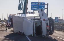 L'enèsim accident talla l'autovia A-2 més de tres hores a Fonolleres