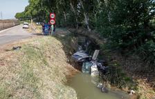 El conductor que va caure al canal a Vallfogona, encara molt greu