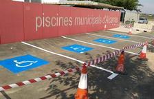 Noves places per minusvàlids a l'aparcament de les piscines d'Alcarràs