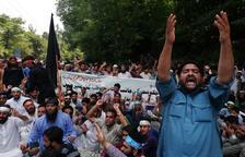 Protestes al retirar l'Índia l'estatus propi del Caixmir