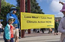L'ONU insta a consumir menys carn i més fruites i verdures contra el canvi climàtic
