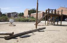 Vándalos provocan destrozos en un parque infantil en Preixana