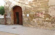 Pintada en favor del 155 en un edificio histórico de Balaguer