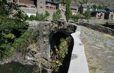 Les polèmiques baranes revestides de ciment es restauraran l'any que ve durant la segona fase.