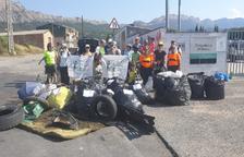 Voluntarios recogen 770 kilos de basura y 670 colillas en Oliana