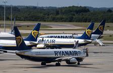Detenen dues persones a l'aeroport de Girona amb passaports falsos