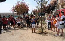 Emotivo homenaje de El Palau al bombero fallecido en Horta