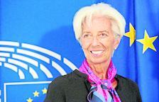 """Lagarde defensa els estímuls a l'economia per un """"llarg període"""""""