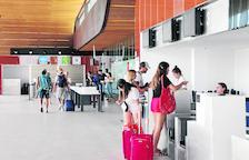 Aeroports licita per a una sola firma la seguretat a Alguaire i la Seu