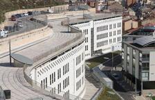 Condemnen dos germans per clavar puntades de peu i cops de puny a una companya d'institut a Lleida