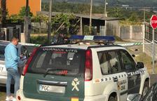 La zona del triple crimen, acordonada por la Guardia Civil.