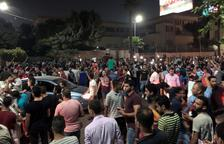 Centenars d'egipcis desafien el president Al-Sisi als carrers