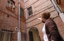 Denuncien el robatori de canonades de gas als blocs Mariola de Lleida