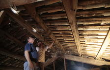 Inician las obras para sanear el tejado de la iglesia de Almacelles