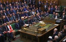 Johnson exige una moción de censura a la oposición al reabrirse el Parlamento