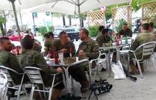 Militars armats, de copes a Vilafranca