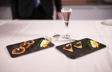 Un plat que serveix per potenciar el sabor del caviar i millorar-ne el gust.