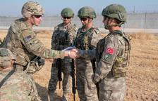 Els EUA deixen Síria i donen així via lliure a Turquia per atacar els kurds