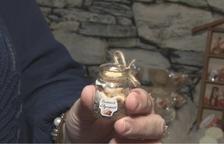 Una veïna d'Agramunt elabora un perfum de torró