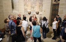 Desenes de persones van descobrir ahir els espais més reservats de la Seu Vella, com la capella dels Sants Eremites.