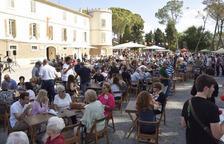 Multitudinària festa major del Castell del Remei, amb més de 3.000 participants, ahir.