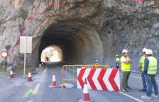Les obres per ampliar el túnel ja existent a la C-14 van començar ahir al matí.