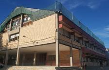 Red de seguridad en el colegio de Oliana por la caída de tejas