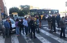 Manifestants tallen el trànsit a l'avinguda Blondel de Lleida