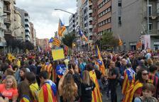 L'avinguda Balmes de Lleida, plena per a la manifestació de la vaga general convocada per a les 18.00 hores