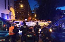 Concentració davant de la comissaria dels Mossos a Lleida i manifestació contra les detencions
