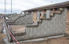 Anglesola mejora las instalaciones de su campo de fútbol con unas gradas