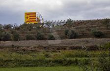 VÍDEO | Destruyen por completo el gran mural independentista de Bellpuig