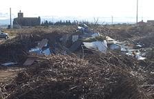 Denuncian basura en el Pla d'Almatà de Balaguer a los Rurales