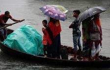 Un cicló mata una desena de persones a l'Índia i Bangladesh